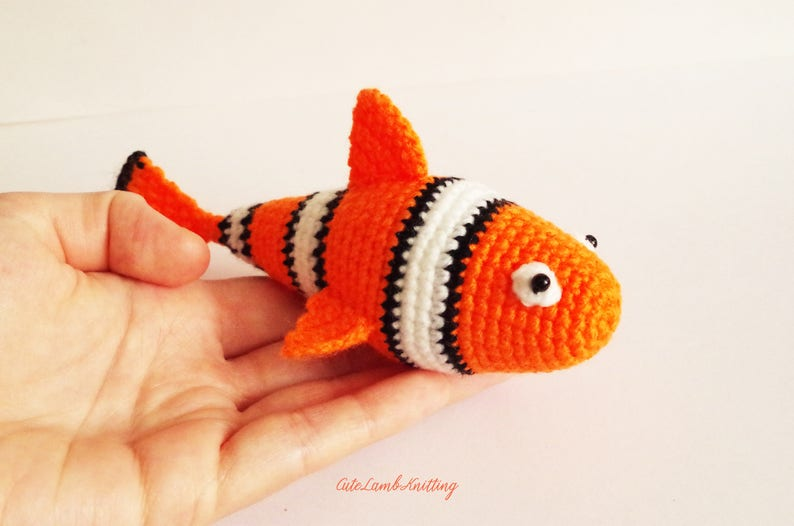Amigurumi pattern, Crochet pattern, crochet clown fish pattern, crochet  clown fish, crochet clownfish, crochet plush animal crochet animals