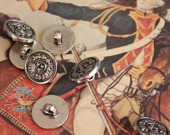 7 buttons vintage pattern for coat, Silver Crest button, 463