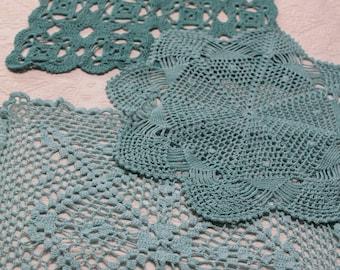 1 turquoise blue crochet doily, for dreamcatcher, vintage doily handmade in France, 2915