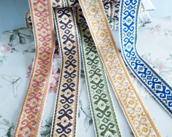 Medieval tricolor jacquard braid with geometric patterns, 4.5cm , 1 meter 1.09y, 100% acrylic Dralon, made in France,3016