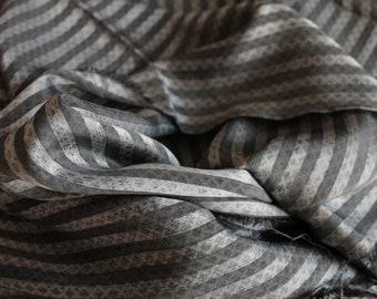 Soie Bianchini Férier, soie vintage haut de gamme, tissu vintage de luxe, soie GRISE RAYEE, TIS190805