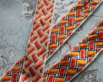 """Upholstery braid, geometric braid width 5.5 cm - 2.16 """"by 1 meter 1.09y, 100% Dralon acrylic, made in France, 2859"""