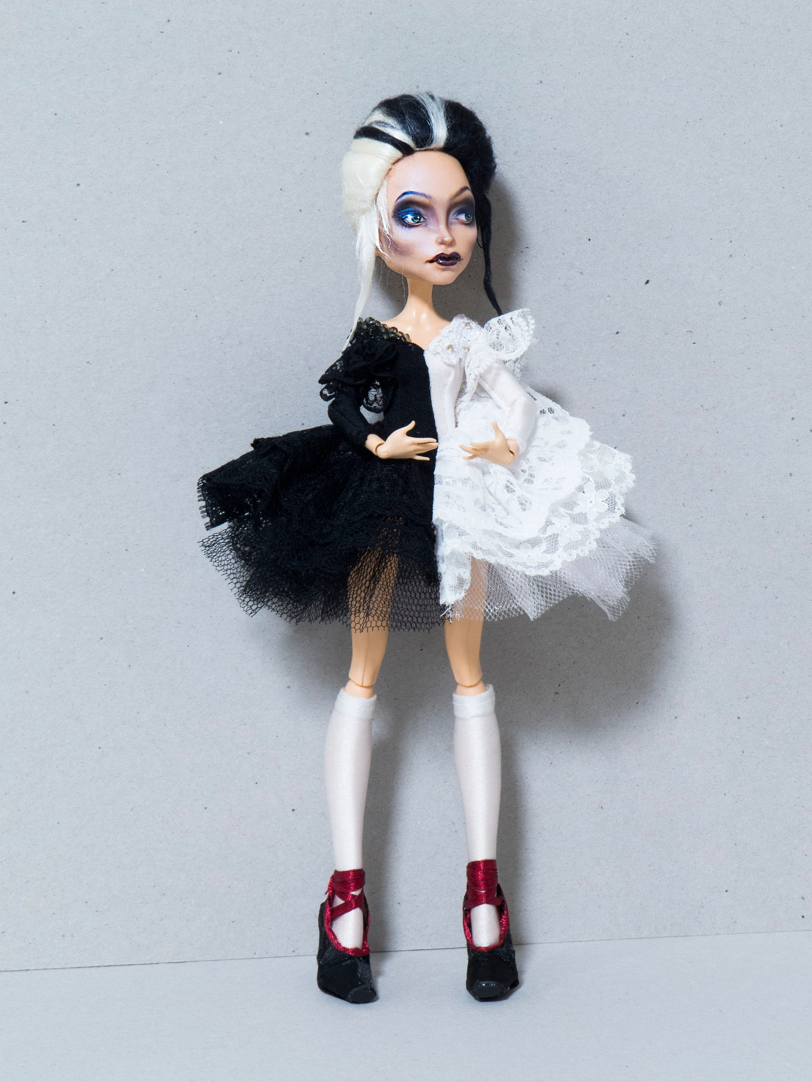 ooak custom monster high doll outfit full set ballet headmistress bloodhood two colours black white ballerina pointe shoes swan