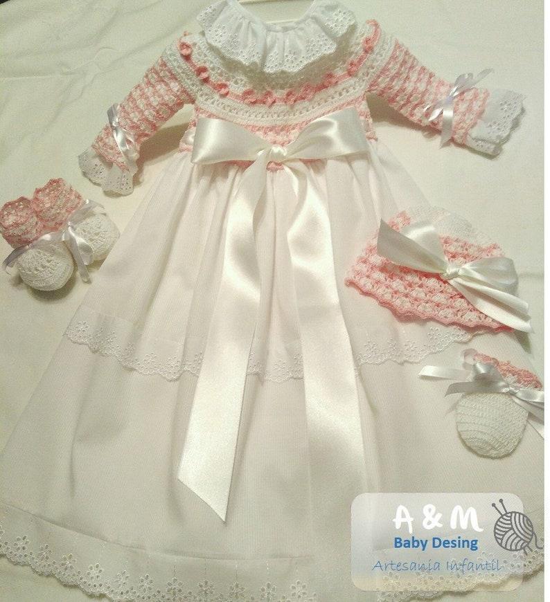 9b5ac2420 Conjunto tejido recien nacida con faldon baby knitting set