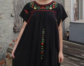 Black Floral Embroidered Vintage Maxi Dress