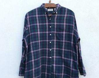 30c5a3cc158e7 Vintage L.L.Bean Flannel Checkered 90s Shirt Medium