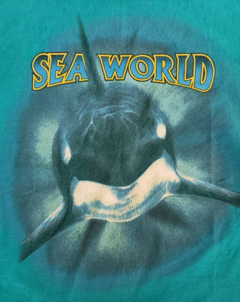 Vintage 1990s Sea World Shamu Killer Whale Marine Zoological Park Theme Park Made in USA tee t shirt Small