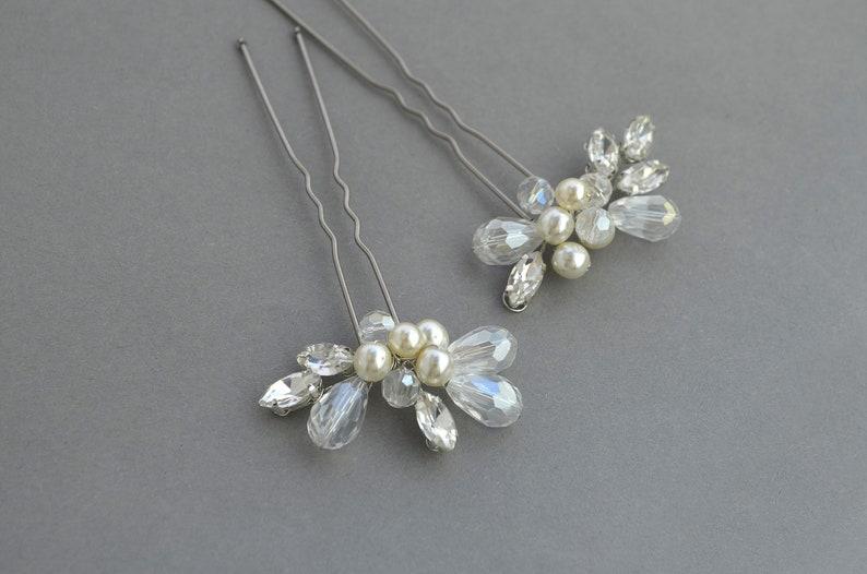 Minimalist bridal hair pins silver Bridal wedding bobby pins Pearl wedding hair pins crystal Romantic headpiece Pearl hair piece Bridesmaid