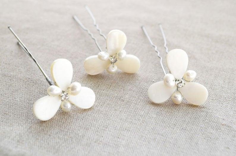 Set of 3 Pearl floral hair pins Pearl hair accessories headpiece Bridal Flower Wedding simple hair pins for bridesmaid Blossom hair piece