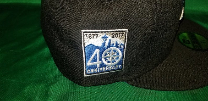 Hat Club Exclusive Black Ice Mariners 40 Year Anniv Patch Light Blue UV Hat