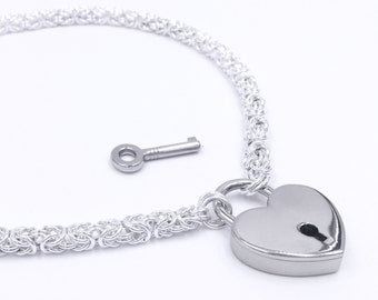 Submissive day collar. Descreet BDSM slave collar. Lockable heart sterling silver choker necklace. Byzantine chainmaille. Chunky chain.