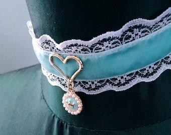 Baby blue choker with heart and crown. Ddlg choker. Bdsm collar. Pastel goth choker. Kitten choker. Ddlg gift. Kitten play collar. Princess.
