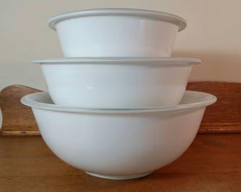 Set of 3 PYREX White Glass Mixing Bowls - 1L, 1.5L, 2.5L