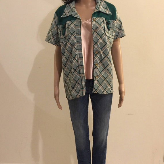 Womens Green Bowling style 70's top.  70's 2 pc Pa