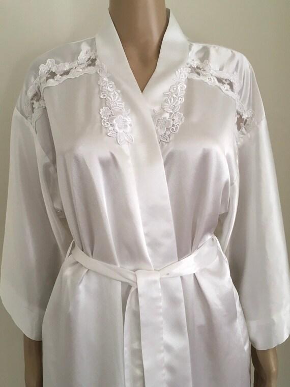Vintage sexy white silky robe, white silky robe me