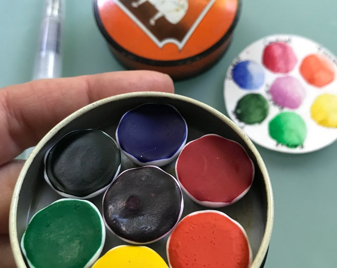 Handmade watercolor paint palette LIMITED edition 7 porcelain well- in vintage Typewriter Tin with water brush
