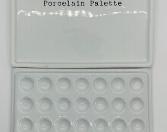 Large Porcelain Paint Palette with Cover/Mixing Tray 21 wells and slot for paint brush
