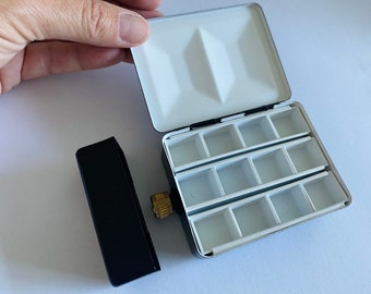 Classic Watercolor Travelers Painters Flask Palette - Holds up to 3 oz of liquid