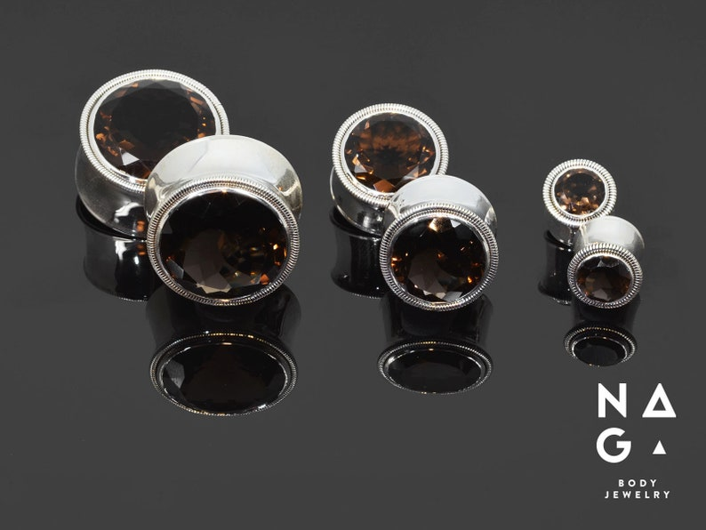 10mm 18mm WHOLESALE AVAILABLE 22mm 16mm 2g 14mm 26mm 0g 8mm 6mm 00g Smoky quartz faceted silver ear plugs 12mm 20mm 24mm