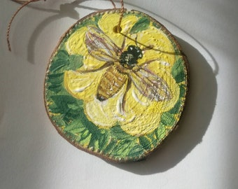 Honeybee, bee,insect,yellow rose, ornament, rustic,save the bees