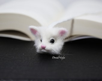 White cat needle felted bookmark. White kitten ecofriendly unusual gift.