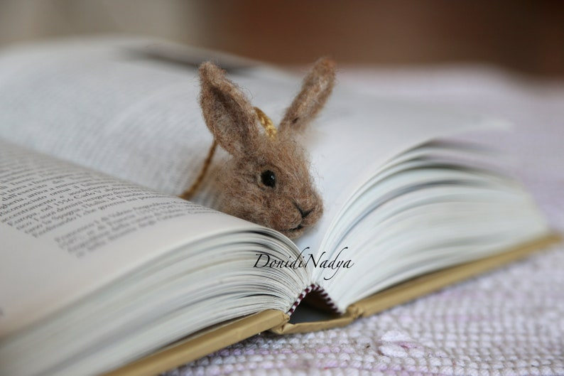 Bunny needle felted bookmark. Gift for him. Gift for her. image 0