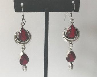 Garnet and 925 sterling silver earrings, dangle earrings, drop earrings, chandelier earrings, long earrings, garnet earrings, red earrings