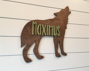 Timber Wolf Wall Plaque Hanging Figurine Home or garden waterproof in gold