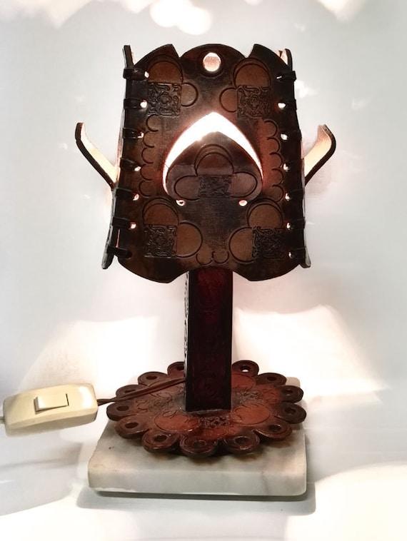 vintage lampe leuchte aus leder pr gungen und schnitzereien etsy. Black Bedroom Furniture Sets. Home Design Ideas