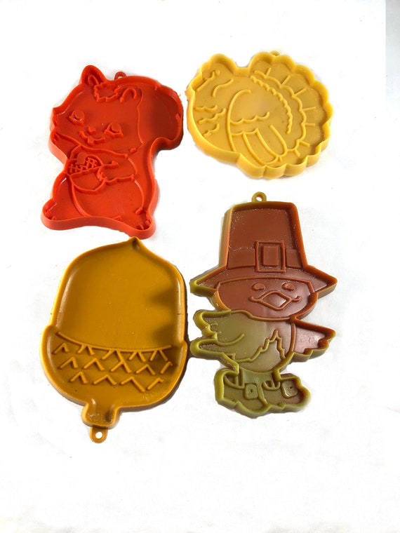 Imprint Thanksgiving Cookie Cutters Vintage Thanksgiving Thanksgiving Baking Plastic Hallmark Cookie Cutter Squirrel Cookie Cutter