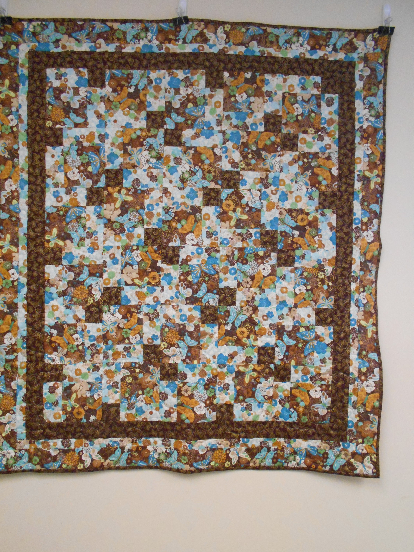 Papillon doré Throw Quilt, courtepointe, Throw Quilt, courtepointe papillon bleu et or, 44 po X 50 po.
