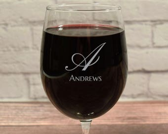 Custom Wine Glasses, Personalized Wine Glass, Etched Wine glass, Wine Gift, Anniversary Gift, Wedding Gift, Wine Glass Gift, Wine Glass Name
