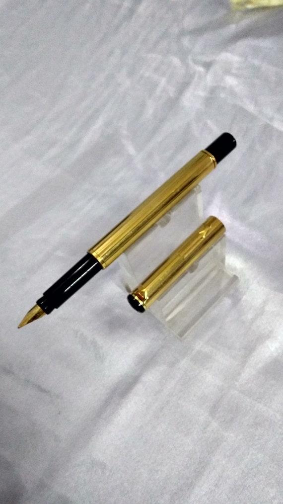 Parker  Rialto Matte Green /& Gold Fountain Pen Medium Pt New In Box