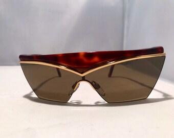 a486b4743dd Yves saint Laurent sunglasses big frame dark lenses for man 90 s fashion  frame