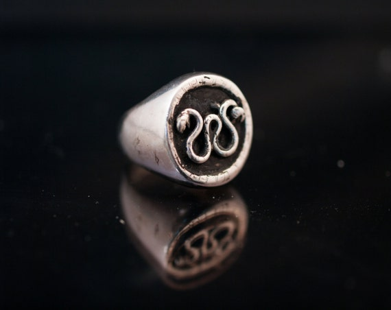 silver ring// double snake// hand made// signet ring