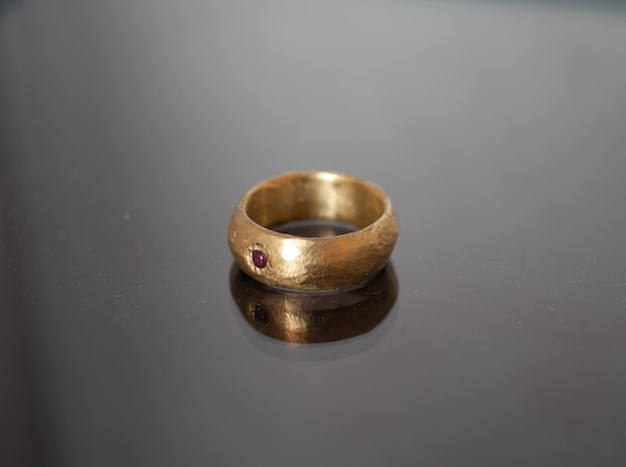 bronze ring / ancient shape / hammered ring / ruby root ring / hand made / original shape