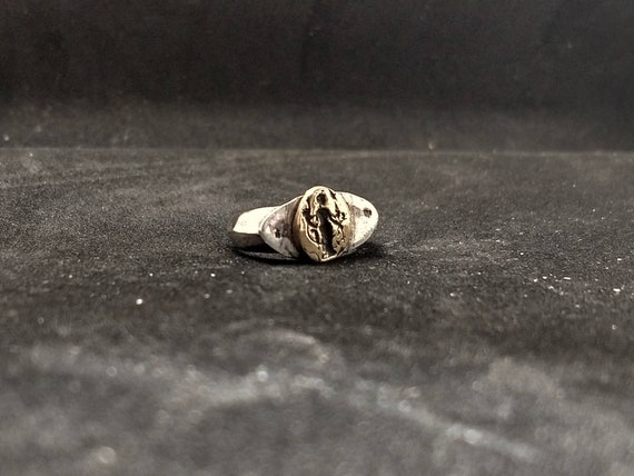 Silver ring/ signet ring / hand made/ hand engraved / silver 925/ woman ring/ ancient shape/lucky charm