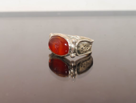 Silver ring // hand made// hand engraved// personalized ring// original ring // woman ring //carnelian ring /engraved stone
