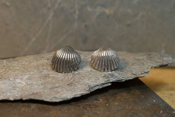 Silver earrings// hand made // silver 925 // shell earrings// sea earrings // woman fashion // natural style