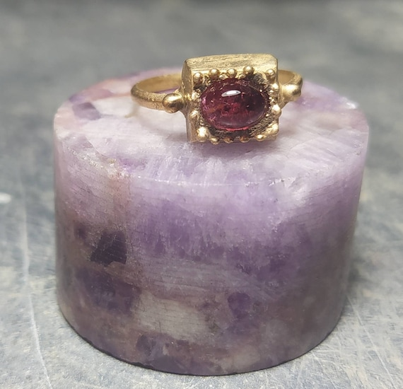 Ancient ring/bronze ring/greek and Roman ring/last wax tecnique/Hand made jewelry/Jewelry history/rubelite