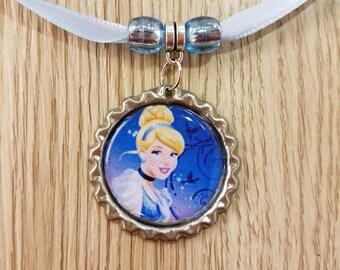 10 Cinderella Necklaces Party Favors.
