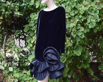 6dd4421c7aa PIERRE CARDIN Haute Couture 1970 Black Modernist Evening Dress