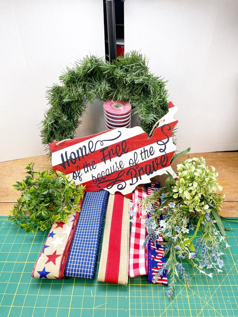 Patriotic no.2 wreath kit Summer DIY wreath Front door image 0