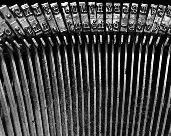 A typewriter in repose. RTT