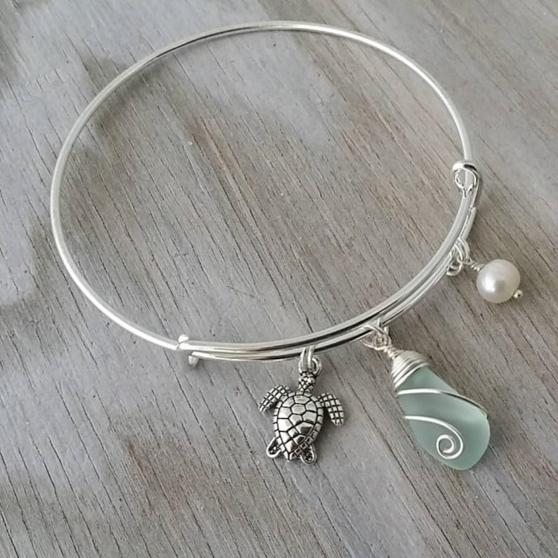 Handmade in Hawaii Sea glass jewelry Sea turtle charm Mother/'s Day Gifts,Hawaiian jewelry. wire wrapped seafoam sea glass bracelet