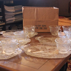 Vintage Anchor Hocking Serva Snack Set of 4 Clear Glass Plates and CupsSparkling CrystalGrape and leavesOriginal BoxServingware