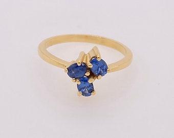 Ceylon blue sapphire ring, 18ct yellow Gold ring