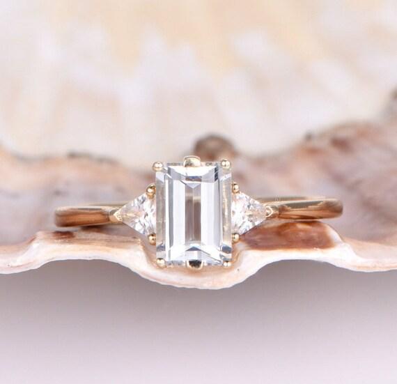 14k or Jaune 4 mm Round Emerald Clous D/'Oreilles