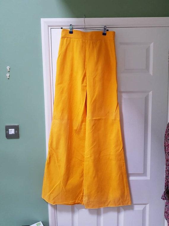 Vintage unworn dead stock 1970s yellow cotton fla… - image 3
