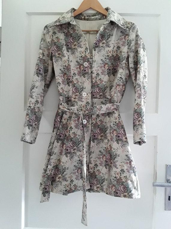 Vintage Floral tapestry coat